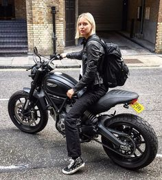 Likes, 20 Kommentare - Cafe ♠ ️Motors and Life ( auf Inst . - Beauty and the Beast - Motorrad Ducati Cafe Racer, Ducati Scrambler Custom, Cafe Racer Bikes, Cafe Racer Build, Cafe Racer Motorcycle, Motorcycle Style, Motorcycle Girls, Motorcycle Quotes, Motorcycle Outfit
