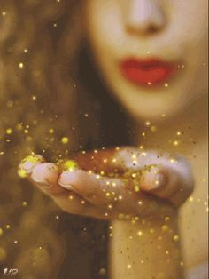 Fairy dust to make your wishes come true. Photo Zen, Gif Photo, Gif Pictures, Moving Pictures, Gif Animé, Animated Gif, Coeur Gif, Glitter Gif, Good Night Gif