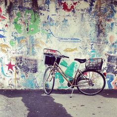 Another #picture #perfect #bicycle with #graffiti #love #Levanto #Italy