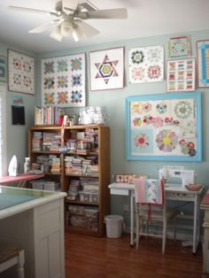 What would you keep in your dream quilting studio? Here are some quilt studio organization ideas perfect to help you create your fantasy stitching studio!