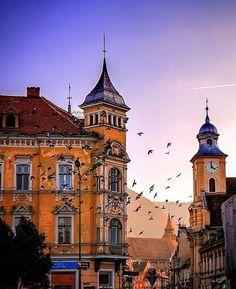 The Most Famous Transylvanian Cities - The Adventures of Kiara Yew Beautiful Castles, Beautiful Buildings, Beautiful Places, Brasov Romania, Bucharest Romania, King City, Romania Travel, Mountain Resort, Modern City