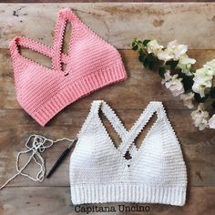 Crochet Patterns Clothes 15 Most Beautiful Crochet Crop Top Free Patterns .These Crochet Crop Top designs are super easy and quick to make, so we will be showing you a bunch of different designs, and you can crochet the one Crochet Halter Tops, Crochet Summer Tops, Crochet Bikini Top, Débardeurs Au Crochet, Crochet Hooks, Knitting Patterns, Crochet Clothes, Crochet Projects, Crochet Dresses