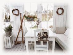 Valkoinen huvila 2: Luonto nukkuu talviuntaan......vaan krookuksissa ...