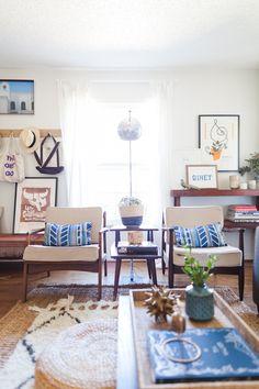 modern bohemian bungalow / living room