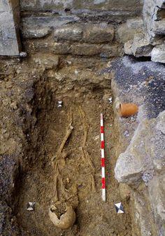 """""""Ancient burials found in Bradford on Avon church revamp…"""