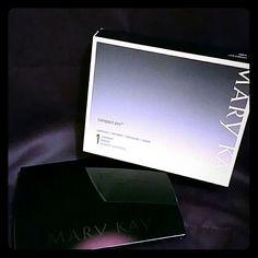 Mary Kay compact pro!! new in box! Mary kay compact pro. Discontinued!!! Mary Kay Makeup