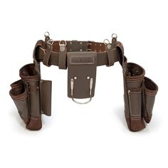 Designed for maximum utility and constructed for ultimate reliability this Estwing tool belt has multiple large, open pockets to let you carry the tools you need to get your work done. Diy Leather Tools, Leather Working Tools, Leather Crafting, Leather Projects, Tool Belt Pouch, Tool Apron, Leather Utility Belt, Work Belt, Suspender Clips
