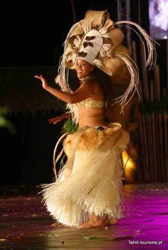 Heiva dance in Tahiti            I love Tahitian hulas