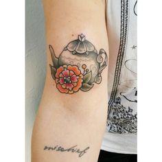 Teapot and flowerpower