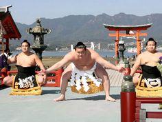 厳島神社で初の土俵入り