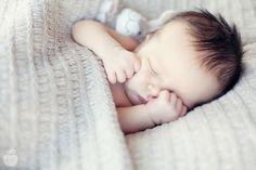 hi, sweet little peanut » photographe grossesse mariage et spécialiste des nouveau nés - Lille » Wide Open Photographies