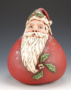Holly Berry Gourd Santa - I want this one too.  Very expressive eyes.