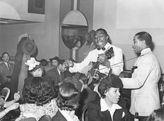 PHOTO - CHICAGO - TAVERN ON THE SOUTH SIDE - BLACK MUSICIANS AND AUDIENCE - 1941 - EDITED FROM A RUSSELL LEE IMAGE