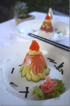 Recipe: Chirashizushi Cone - tobiko roe, omelette, salmon, avocado, tuna and sushi rice