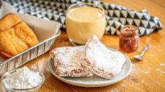 Když jsem před pár lety viděla film Šéf (2014) ošéfkuchaři, který se vydá food truckem na bláznivou jízdu přes Spojené státy, naprosto bezhlavě jsem se zamilovala. Ale ne do kuchaře vpodání Jona Favreaua (54), ale do beignetek, které vNew Orleansu vlegendární kavárně Café du Monde dával ochutnat synovi. Neváhejte ani chviličku azamilujte se se mnou. Beignetky jsou opravdu famózní. Z New, Beignets, Food Truck, New Orleans, Camembert Cheese, Panna Cotta, Food And Drink, Sweets, Baking