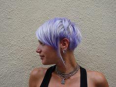 Purple Pixie Cut - love the funky cut Pixie Color, Purple Pixie Cut, Short Purple Hair, Hair Color Purple, Cool Hair Color, Periwinkle Hair, Red Pixie, Purple Ombre, Blonde Color