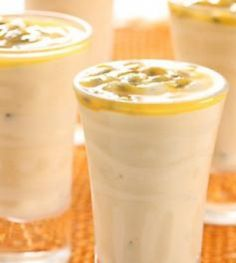 Whip this Granadilla Smoothie recipe together for breakfast Yummy Smoothies, Juice Smoothie, Smoothie Recipes, Healthy Meals To Cook, Healthy Drinks, Healthy Recipes, Milkshake Drink, Milkshakes, Cucumber Drink
