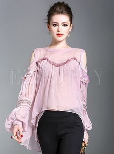Shop Edging Stitched Chiffon Horn Sleeve Blouse at EZPOPSY. Classy Business Outfits, Anthropologie Clothing, Cute Fashion, Womens Fashion, Crop Top Outfits, Blouse Online, Blouse Designs, Chiffon Tops, Blouses For Women