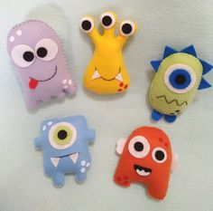 Felt Animal Patterns, Felt Crafts Patterns, Easy Crafts For Kids, Art For Kids, Sewing Toys, Sewing Crafts, Little Monster Party, Felt Monster, Felt Gifts