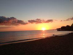 Sunset in Kona, Big Island, Hawaii  From youishare.com