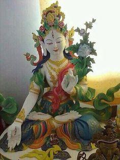 White Tara Chinese Buddhism, Buddha Buddhism, Tibetan Buddhism, Buddhist Art, Buddhism Symbols, Tibet Art, Vajrayana Buddhism, Green Tara, Divine Mother