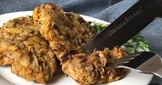 If you love chicken fried steak, try this recipe for chicken fried filet mignon cutlets with pan gravy. This tender steak and delicate breading makes an amazing breakfast, lunch or dinner. Filet Mignon Steak, Beef Filet, Chicken Filet, Fried Beef, Fried Chicken, Chicken Friend Steak, Gourmet Chicken, Omaha Steaks, Tender Steak