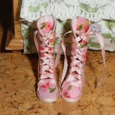 Dollhouse boots esc 1/12
