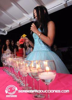 Fiestas Temáticas 15 años Cali, Temática Neón, Decoración Fiestas de 15 Años, Serbeb Producciones. www.serbebproducciones.com