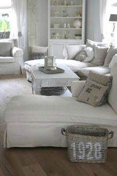 To sit in this lounge room, going through my 'To Do List's with my planner and my MAC laptop, bliss <3
