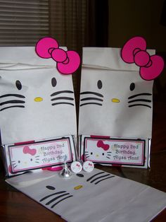 10 COUNT HELLO KITTY  Custom Goody Bags Hello by Beyonddiapercakes, $15.00