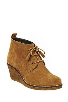 Boots compensées en daim Bim Camel Rules by Mary sur MonShowroom.com