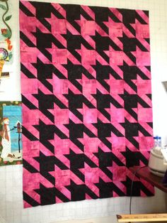 Houndstooth quilt...almost finished!