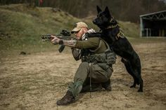 hold it steady soldier I got your can find Military dogs and more on our website.hold it steady soldier I got your 6 Military Working Dogs, Military Dogs, Police Dogs, Military Weapons, War Dogs, German Shepherd Dogs, German Shepherd Training, Service Dogs, Mans Best Friend