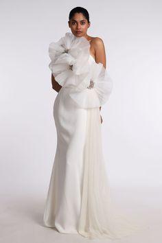 Swag Outfits For Girls, White Outfits, Girl Outfits, Gown Designer, Designer Wear, Elegant Dresses For Women, Formal Dresses, Wedding Dresses, Bridal Pants