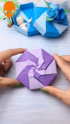 Origami Flowers 587297607645006446 - Clever Paper Craft Hacks Source by Diy Crafts Hacks, Diy Crafts For Gifts, Diy Arts And Crafts, Creative Crafts, Fun Crafts, Handmade Crafts, Paper Flowers Craft, Paper Crafts Origami, Paper Crafts For Kids
