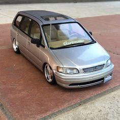 Toyota Previa, Rc Drift Cars, Truck Scales, Grand Caravan, Honda Odyssey, Model Car, Diecast Models, Vroom Vroom, Scale Models