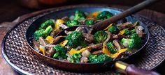 Orange Beef and Broccoli via cookwithcampbells Beef Kabob Recipes, Meat Recipes, Asian Recipes, Cooking Recipes, Healthy Recipes, Broccoli Beef, Broccoli Recipes, Brocolli, Orange Beef