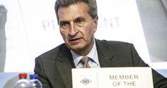 """""""Noch nie hat uns Europa soviel Schutz und Chancen gegeben wie heute"""", sagt Oettinger der """"Bild"""". – Der Mainstream verbreitet es unkommentiert, die Menschen glauben es wirklich. Vergessen Paris, München & CO, Köln sowieso. Die illegale Migration seit 2015 blenden wir auch erfolgreich aus. Beschützt fühlen sich die einen, aber die anderen fühlen sich ausgeliefert. Nur in Oettingers Welt ist alles heil."""