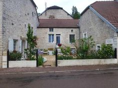 Maison en pierre te koop in prachtig dorp in de Champagnestreek€99000