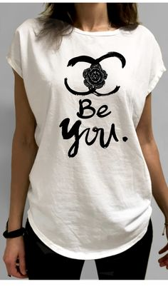 BEYOU TIFUL LUXURY T-SHIRT DES. CHANEL3 Heritage Brands, Juicy Couture, T Shirts For Women, Luxury, Tops, Fashion, Moda, Fashion Styles, Fashion Illustrations