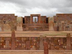 Tiahaunaco. | 25 Fotos de Bolivia que parecen sacadas del cerebro de Dalí