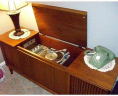 Oh, I LOVED my stereo console! Bought it when I was single, sold it when I was married. HUGE mistake -- not the marriage, the sale, silly.