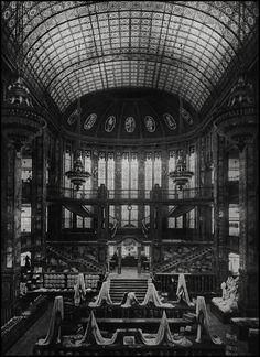 Clemens & Wolfenstein @ Warenhaus Hermann Tietz Alexanderplatz [1904] by d.teil, via Flickr