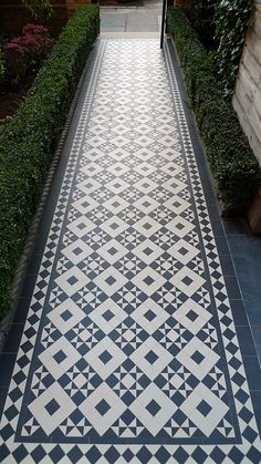 black and white victorian reproduction mosaic tile path battersea York stone rope edge buxus london front garden Victorian Front Garden, Victorian Gardens, Victorian Terrace, Victorian Farmhouse, Terrace Tiles, Patio Tiles, Driveway Tiles, Garden Tiles, Cement Tiles