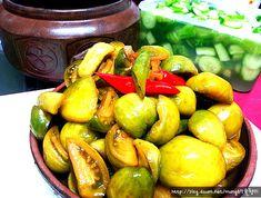 심심하고 색다른맛의 토마토장아찌 담그는방법 Korean Dishes, Korean Food, Food Menu, Fritters, Kimchi, Asian Recipes, Pickles, Cucumber, Side Dishes