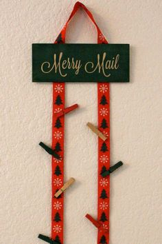 Christmas Card Holder by jandalovelies on Etsy, $12.00