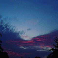 #nature #Natur #abend #abends #abendstimmung #landscape #landschaften #landschaft #sonnenuntergang #blauerhimmel #roterhimmel #wolken #sky #clouds #wolke #himmel #nordrheinwestfalen
