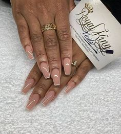 50 Creative Styles for Nude Nails You'll Love Natural Nailbed-Pink with White Contrast Outlines Aycrlic Nails, Glam Nails, Manicure, Nail Swag, Best Acrylic Nails, Acrylic Nail Designs, Coffin Nails Long, Long Nails, White Tip Nails