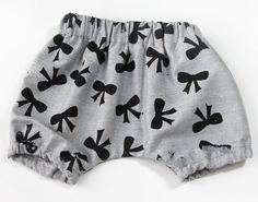 Sweet Baby Bloomers tutorial and free pattern by See Kate Sew