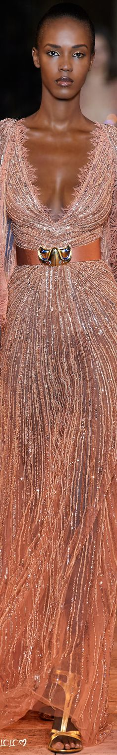 Zuhair Murad Stunning Blush Metallic Gown #ZuhairMurad #Runway #Glamour #Gowns Zuhair Murad, Evening Dresses, Prom Dresses, Formal Dresses, Fashion 2020, Fashion Trends, Glamour, Fabulous Dresses, Cool Outfits